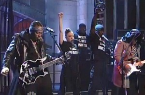 D'Angelo peforms The Charade on SNL